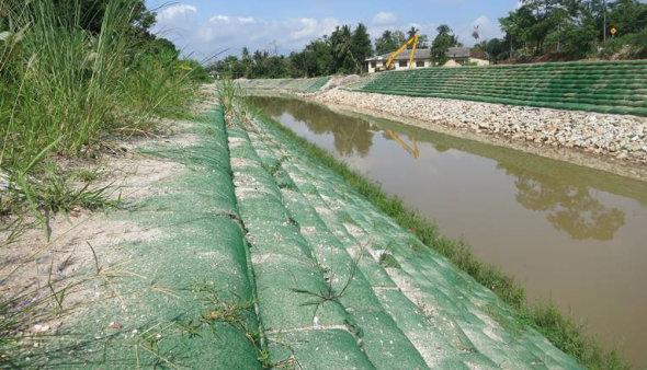 Sistemas de Control de Erosion geobolsas canales y quebradas geobags